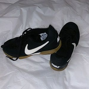 Nike Indoors Soccer Shoes 5y